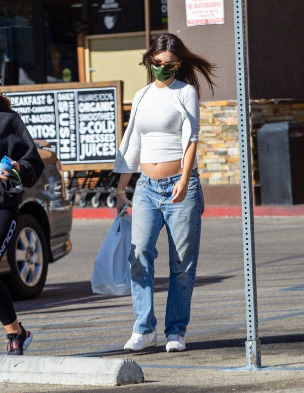 Emily Ratajkowski shopping candids with a friend in Los Angeles 02