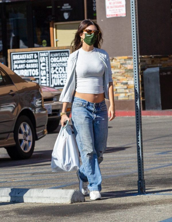Emily Ratajkowski shopping candids with a friend in Los Angeles 21