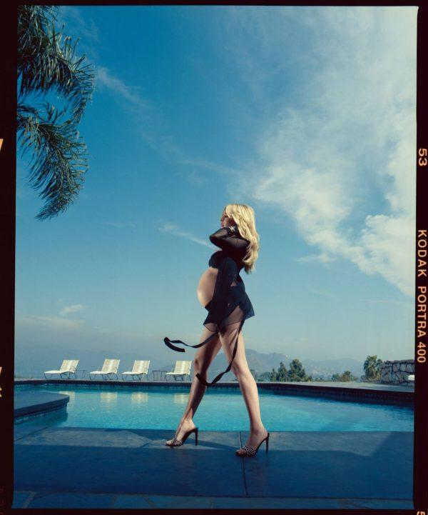 Emma Roberts Cosmopolitan Magazine December 2020 issue 10