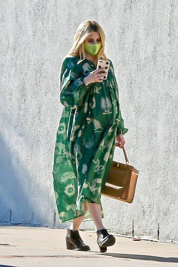 Emma Roberts Seen while leaves her home in Los Feliz 10