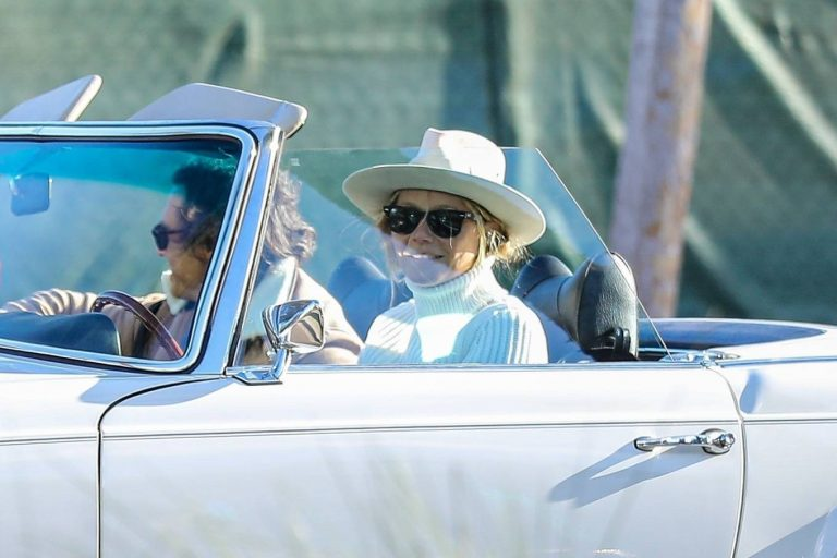 Gwyneth Paltrow Pictured in a classic convertible Mercedes Benz in West Hollywood 02