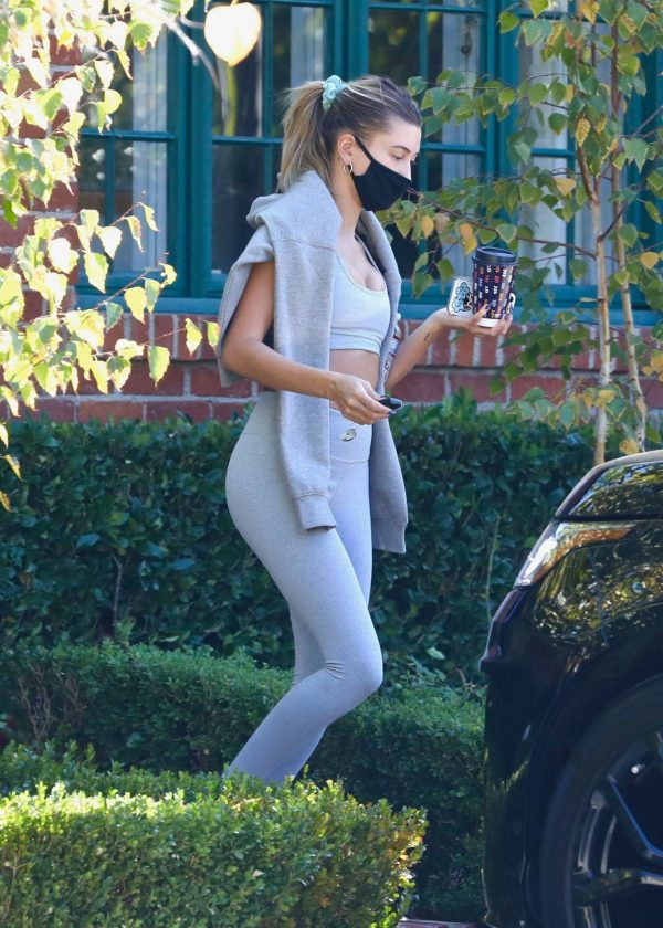 Hailey Bieber spotted leaving a private gym in Los Angeles 01