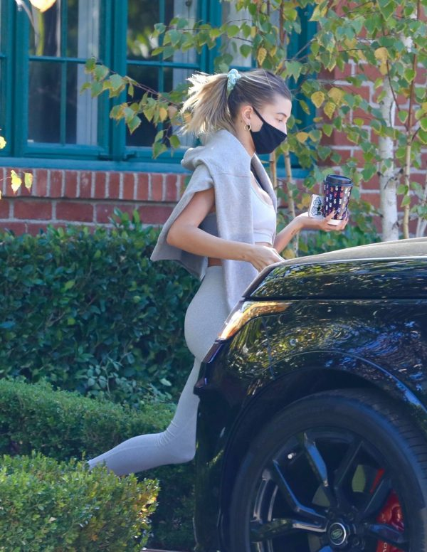 Hailey Bieber spotted leaving a private gym in Los Angeles 04