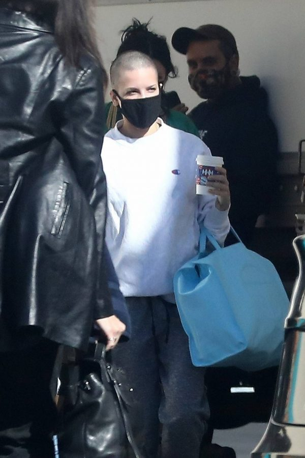 Halsey Seen at a studio in Los Angeles 08