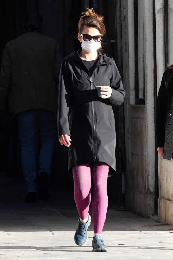 Hayley Atwell Seen during break from filming Mission Impossible 7 in Venice 02