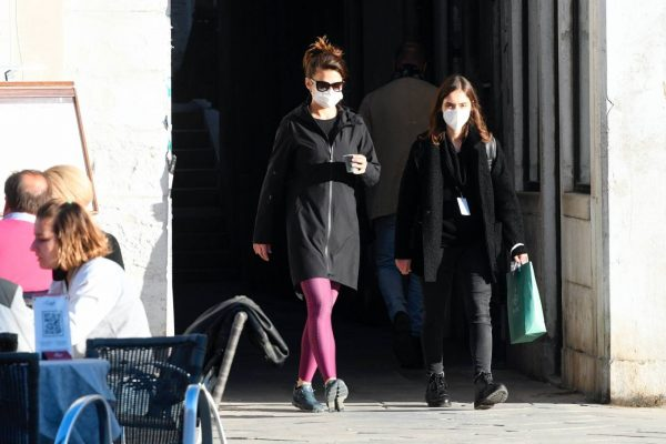 Hayley Atwell Seen during break from filming Mission Impossible 7 in Venice 06