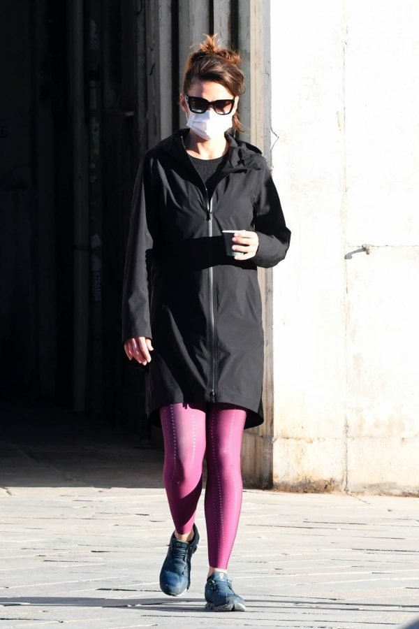 Hayley Atwell Seen during break from filming Mission Impossible 7 in Venice 10