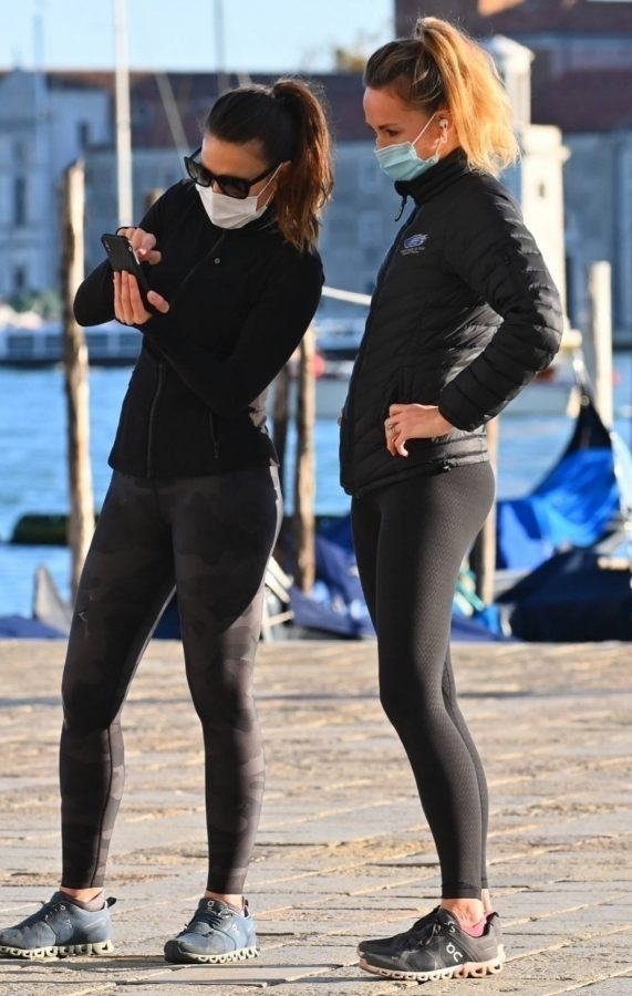 Hayley Atwell Seen out for a walk with a friend in Venice 02