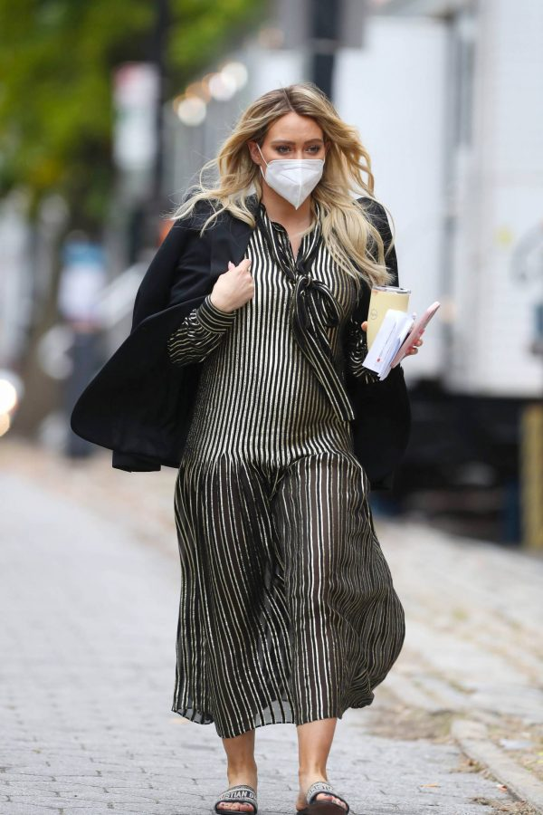 Hilary Duff Filming Younger in NYC 04