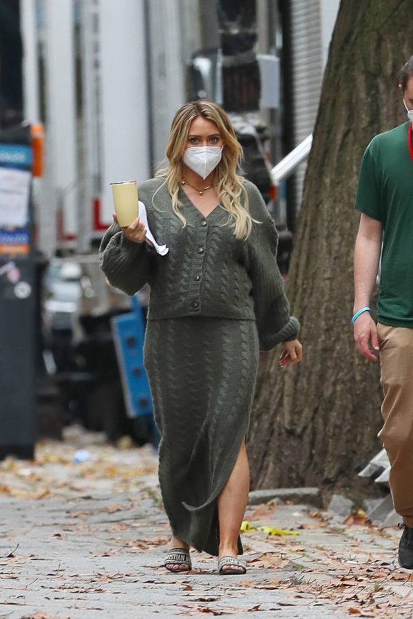 Hilary Duff Filming Younger in NYC 06