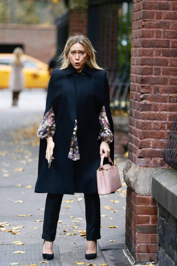 Hilary Duff Filming Younger in NYC 07