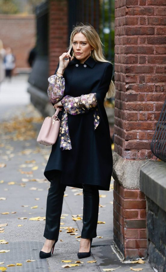 Hilary Duff Filming Younger in NYC 13