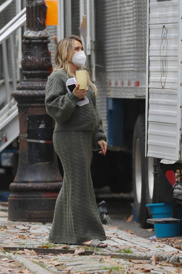 Hilary Duff Filming Younger in NYC 16