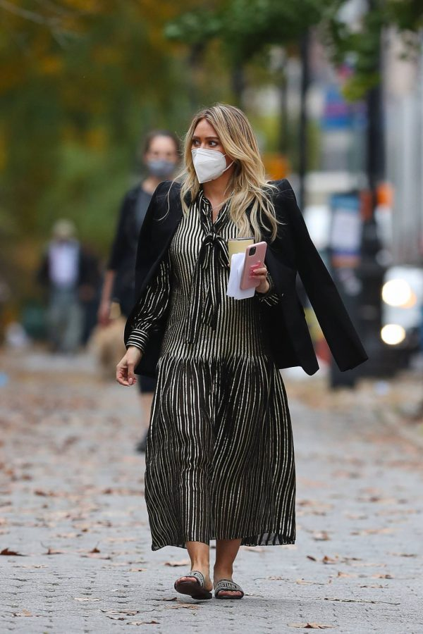 Hilary Duff Filming Younger in NYC 25
