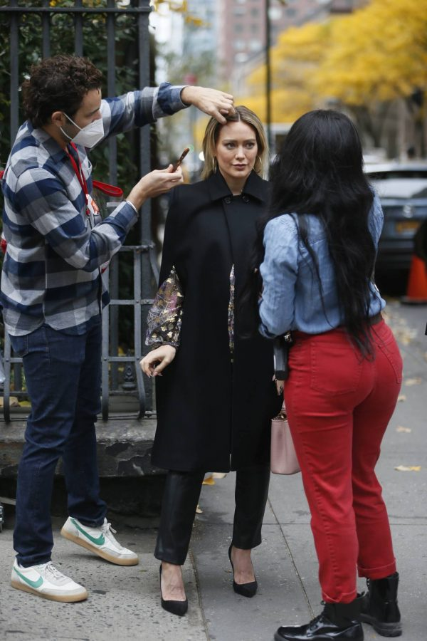 Hilary Duff Filming Younger in NYC 28