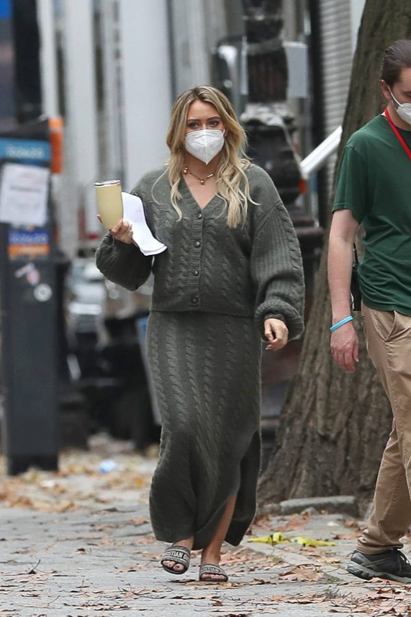 Hilary Duff Filming Younger in NYC 33