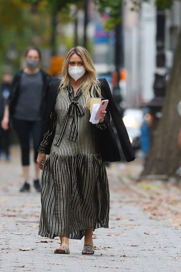 Hilary Duff Filming Younger in NYC 41