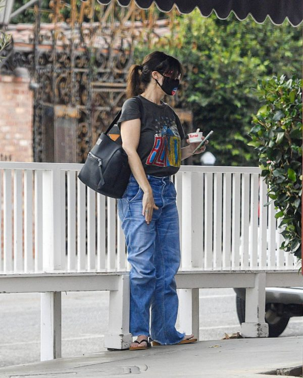 Idina Menzel In loose jeans seen at Sweet Rose Creamery in Brentwood 05