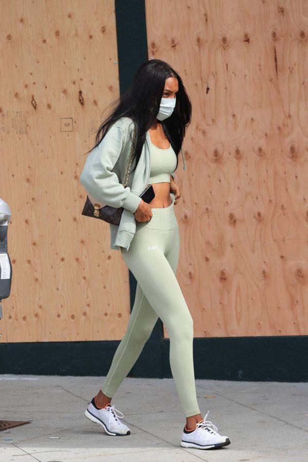 Jasmine Tookes Heading to the gym 04