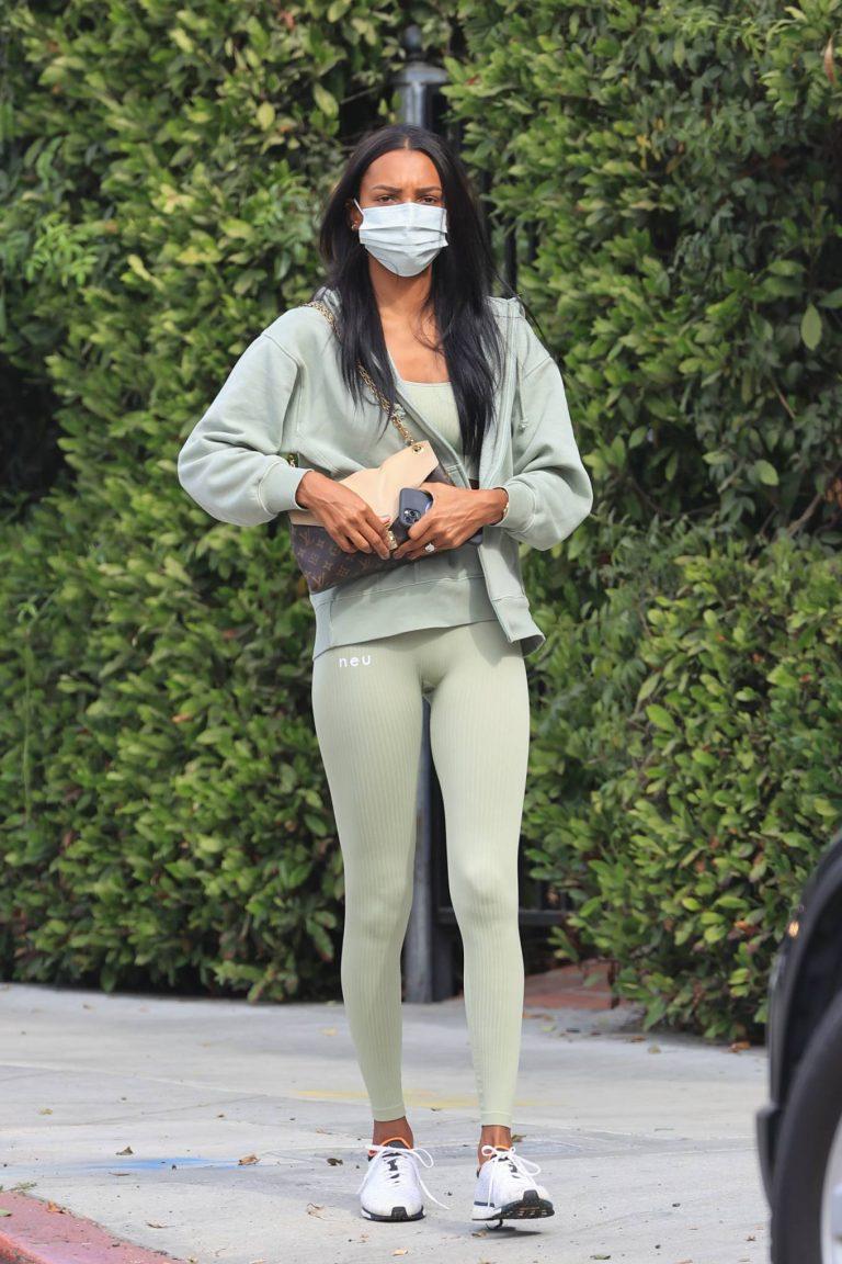 Jasmine Tookes Heading to the gym 05