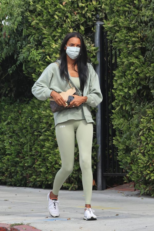 Jasmine Tookes Heading to the gym 06