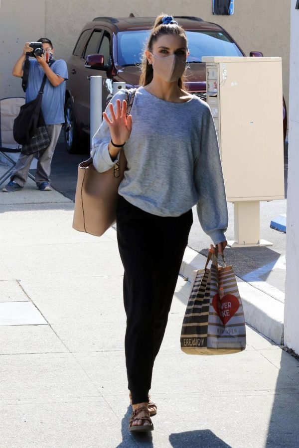Jenna Johnson Arriving at the dance studio Friday in Los Angeles 03