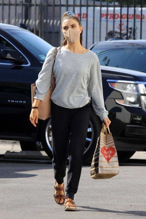 Jenna Johnson Arriving at the dance studio Friday in Los Angeles 06