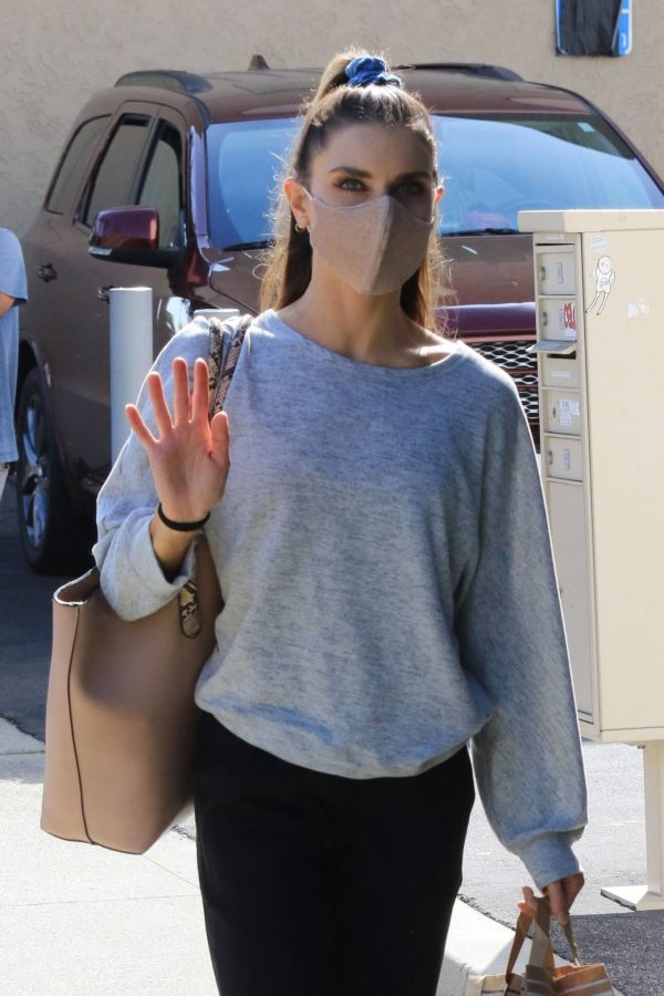Jenna Johnson Arriving at the dance studio Friday in Los Angeles 07