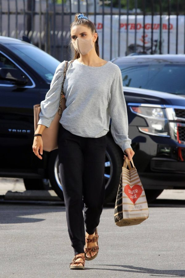 Jenna Johnson Arriving at the dance studio Friday in Los Angeles 08