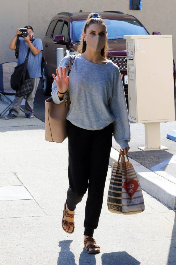 Jenna Johnson Arriving at the dance studio Friday in Los Angeles 10