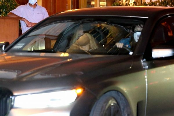 Jennifer Lopez Spotted at Sunset Tower Hotel in West Hollywood 05