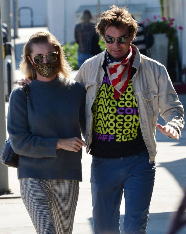Jerry OConnell and Rebecca Romijn Out for a walk in Studio City 01