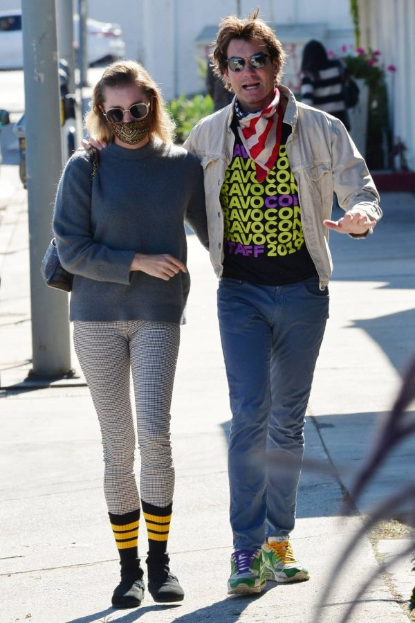 Jerry OConnell and Rebecca Romijn Out for a walk in Studio City 02