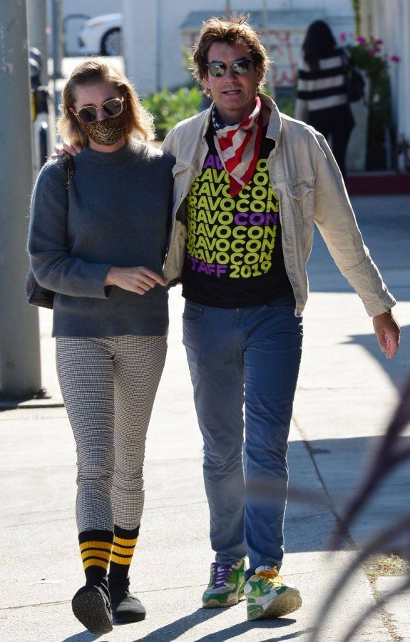 Jerry OConnell and Rebecca Romijn Out for a walk in Studio City 03