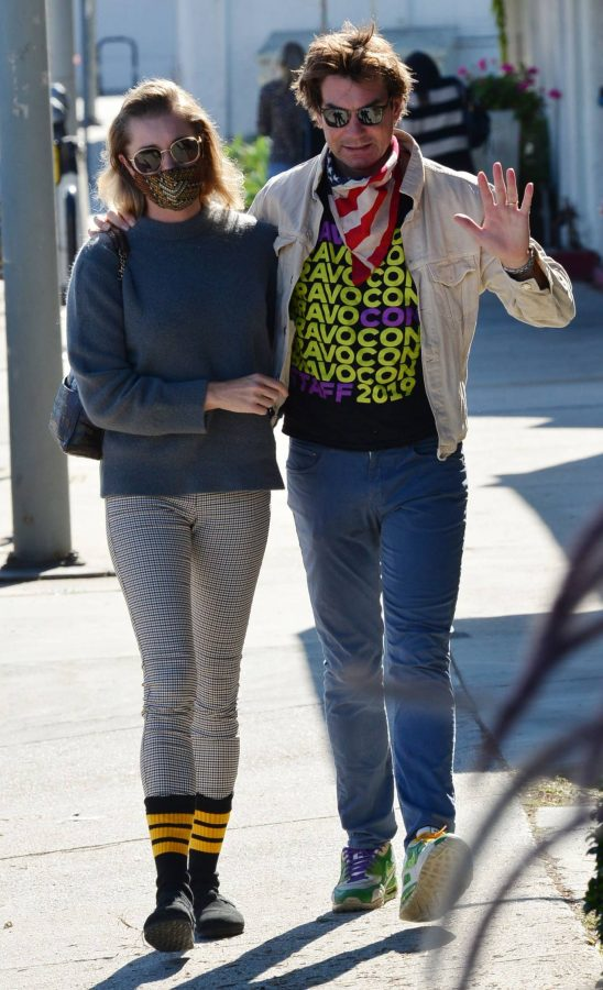 Jerry OConnell and Rebecca Romijn Out for a walk in Studio City 05
