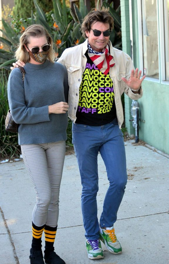 Jerry OConnell and Rebecca Romijn Out for a walk in Studio City 10
