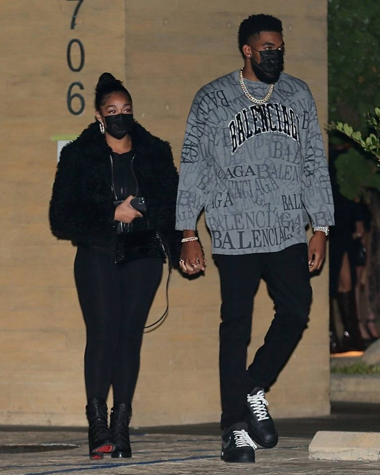 Jordyn Woods Out for a dinner with boyfriend and family at Nobu in Malibu 01