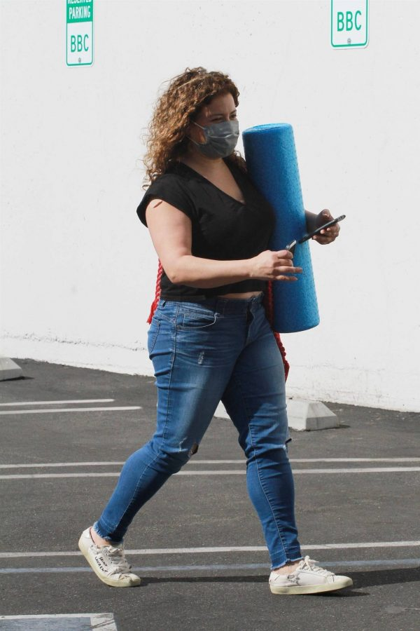 Justina Machado Heads into the DWTS studio in Los Angeles 10