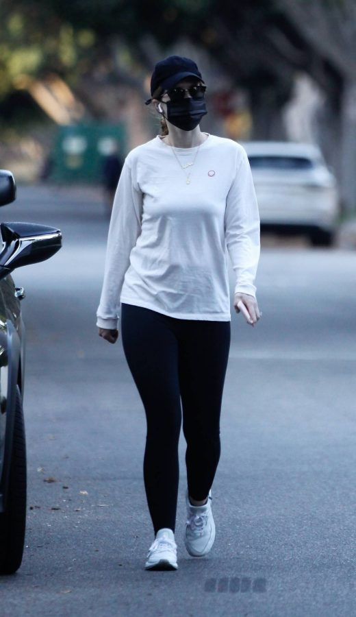 Katherine Schwarzenegger Wears Lyla Maria Necklace 09