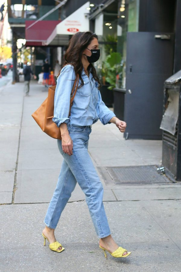 Katie Holmes Seen out in New York 08