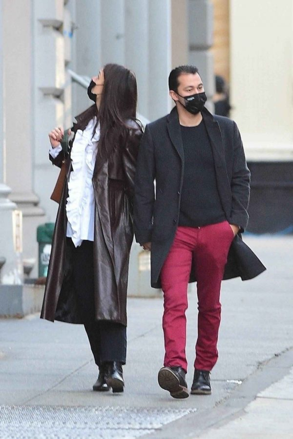 Katie Holmes Shopping candids at a paint store in New York 07