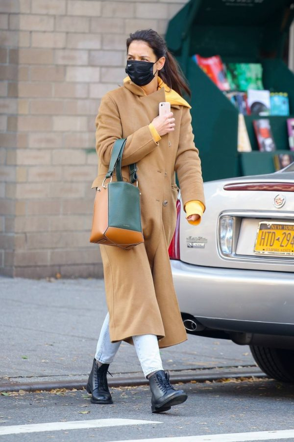 Katie Holmes Spotted while out in SoHo 08
