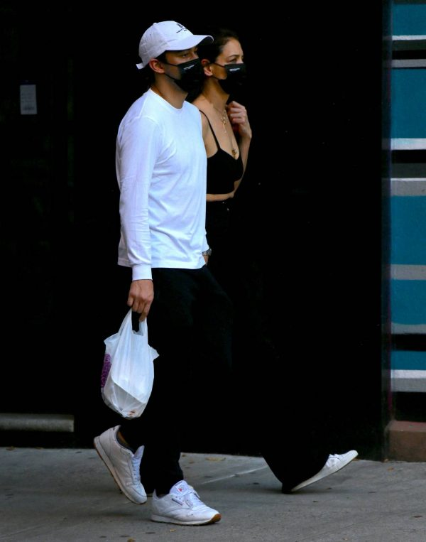 Katie Holmes with boyfriend seen out in New York 01