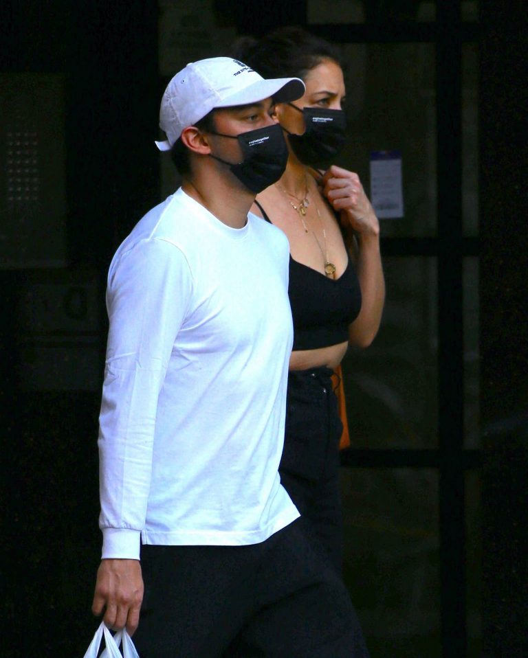 Katie Holmes with boyfriend seen out in New York 06