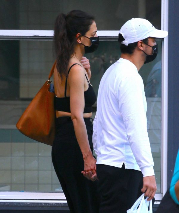 Katie Holmes with boyfriend seen out in New York 07