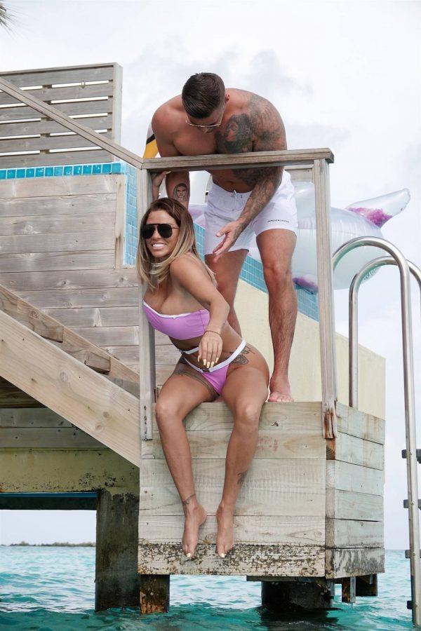 Katie Price In a bikini in the Maldives 02