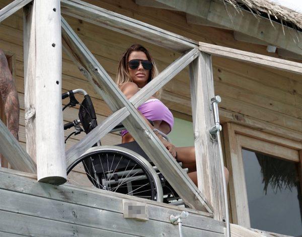 Katie Price In a bikini in the Maldives 07
