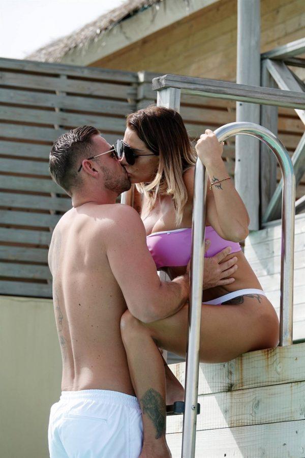 Katie Price In a bikini in the Maldives 15