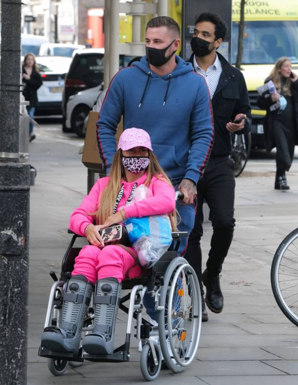 Katie Price Is seen at the Chelsea and Westminster hospital 22