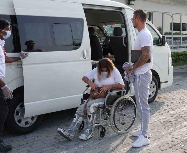 Katie Price with boyfriend Carl Woods in the Maldives 04